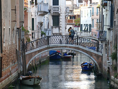 I've been waiting for this... (lamnn92) Tags: venice venezia sanmarco bridge architecture house canal boats water colors love lovers friends romanticmoment travel fz1000