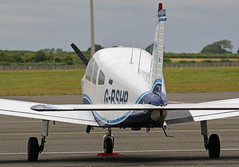 G-BSHP PIPER PA-28 WARRIOR NEWCASTLE AIRPORT (toowoomba surfer) Tags: aviation aircraft lightaircraft ncl egnt