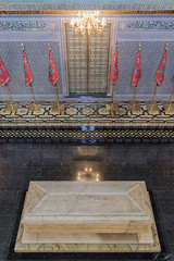 2018/07/11 17h05 mausolée Mohammed V (Rabat) (Valéry Hugotte) Tags: 35mm maroc mohammedv rabat canon canon5d canon5dmarkiv mausolée mausoléemohammedv mosquéehassan quartierhassan rabatsalékénitra ma