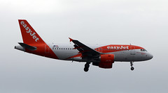 OE-LQX (PrestwickAirportPhotography) Tags: egkk london gatwick airport easyjet europe a319 oelqx airbus