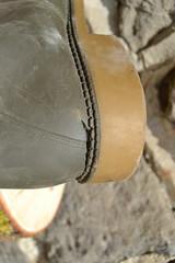 228 -- Wellworn Wellies from 1970 -- Rubberboots -- Gummistiefel -- Regenlaarzen (HeveaFan) Tags: rubberboots rubberlaazen 在泥里的靴子橡胶 kaplaarzen ゴム長靴 gummistiefel 威灵顿长靴 stiefel stivali stövlar ブーツ dunlop hevea aigle ripped wornout rainboots regenlaarzen wellies bottes wellworn caoutchouc galoshes wreckled trashed regenstiefel waterlaarzen soles tuinlaarzen loch leaky damaged trouée undicht versleten laarzen wellington kaput mud boue fertig riss gomma trou abgelatscht kaputt lek gumboots boots bottas vredesteinlaarzen vredesteinwellies vredesteinstiefel