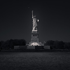 Statue of Liberty, New York 2017 (Joel Tjintjelaar) Tags: nyc newyorkcity statueofliberty ladyliberty blackandwhite bw architecture statue sculpture fineartphotography quickmaskpro bwartisanpropanel bwfineartphotography manhattan