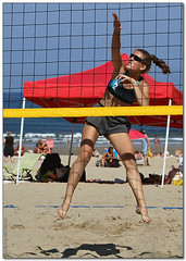 Volley Playa - 013 (Jose Juan Gurrutxaga) Tags: file:md5sum=c64bbcc2640e6ca1454c4b3c73407faf file:sha1sig=eabbc8742cedef391881358a4b09c581f765793a volley playa beach hondartza boleibol voleibol semana grande zurriola donostia
