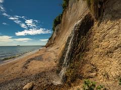 Rügen Wasserfall an der Steilküste (Horst Husheer Fotografie) Tags: sommer sand strand meer meckpomm mecklenburgvorpommern balticsea ostsee steilküste kreidefelsen sassnitz rügen