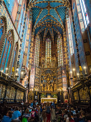 Presbytery in St. Mary's Basilica in Krakow (ctj71081) Tags: apse church kościółwniebowzięcianajświętszejmaryipanny krakow poland stmarysbasilica