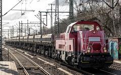 088_2018_03_20_Hamburg_Harburg_1261_007_ NRAIL_mit_Schotterwagen_Hafen (ruhrpott.sprinter) Tags: ruhrpott sprinter deutschland germany allmangne nrw ruhrgebiet gelsenkirchen lokomotive locomotives eisenbahn railroad rail zug train reisezug passenger güter cargo freight fret hamburg harburg akiem boxx ctd db dispo dbcsc dsc egp eloc locon lte me meg mt mteg nrail press rhc rsc slg 0185 0650 0812 1212 1214 1246 1261 1273 3296 3333 4482 5812 6101 6140 6143 6145 6182 6187 6193 6241 7386 logo natur graffiti