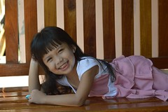 girl smiling (the foreign photographer - ฝรั่งถ่) Tags: girl smiling khlong thanon portraits bangkhen bangkok thailand nikon