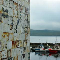 Fuglafjørður (mikael_on_flickr) Tags: fuglafjørður føroyar færøerne faroeislands solefaroe dittico diptychon wall wand muro harbour porto hafen havn cloudy overskyet fotografie photos art arte kunst