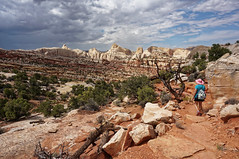 on the Frying Pan Trail (rovingmagpie) Tags: utah capitolreefnationalpark capitolreef fryingpantrail backcountry weather clouds summer2018 pinkhat kani trail