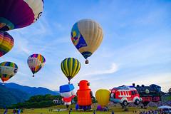 2018臺灣熱氣球嘉年華-Taiwan Balloon Festival (andy818102) Tags: balloon hot air balloons festival taiwan popular sky special grassland photography travel scenery attraction amazing awesome charming dazzling beautiful breathtaking spectacular glamorous magnificent sunshine sunny hotairballoon 熱氣球 嘉年華 台灣 受歡迎 特別 驚奇 旅行 景點 迷人的 華麗的 壯觀的 拍照 攝影 風景