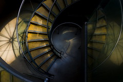 Hub stairs (Maerten Prins) Tags: england brittain engeland londen london hub stair staircase spiral down reflection dark shadow curve curves circle regents park abstract