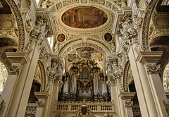 The largest organ in the world is in Passau St. Stephen's Cathedral (Kat-i) Tags: domorgel organ stephansdom passau bayern bavaria dom innenraum ststephenscathedral baroquearchitecture barock germany deutschland kirchenorgel nikon1v1 kati katharina 2018