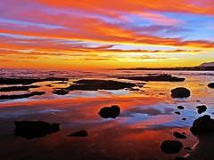 Reflejos del atardecer (Antonio Chacon) Tags: andalucia atardecer marbella málaga mar mediterráneo costadelsol cielo españa spain sunset cloud reflejos agua