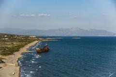Barco Dimitrios, en Githio, Peloponeso, Grecia (jcfasero) Tags: barco boat abandoned grecia greece githio peloponeso color outdoor naturaleza nature sony rx100