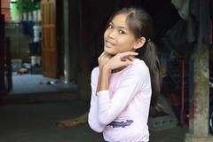 pretty preteen girl in an unusual pose (the foreign photographer - ฝรั่งถ่) Tags: pretty preteen girl khlong thanon portraits bangkok bangkhen thailand nikon d3200