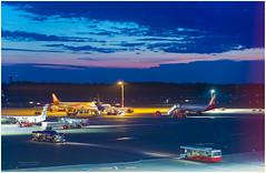 """Airport """"Helmut Schmidt"""" at night (Dieter Gora) Tags: aussichtsterrassen airport hamburg helmutschmidt flughafen night nachtaufnahme aviation aeroplane flugzeug nacht color colour"""