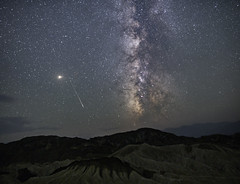 Falling Stars in Death Valley (Geoffrey Hunt Photography) Tags: night stars milkyway galactic meteor california death valley long exposure astrophotography landscape desert