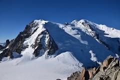 Ascension Mont Blanc (CHAM BT) Tags: montblanc neige trace cordee alpinisme matin rocher sommet crevasse serac raide pente snow morning summit rock steep slope mountainsandclimbing sundaylights