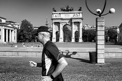 Si va sempre di fretta (drugodragodiego) Tags: milano lombardia italy city cities architecture streetlife streetphotography blackandwhite blackwhite bw biancoenero fuji fujifilm fujifilmx100t x100t runner people