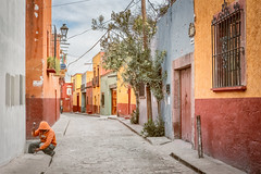 hammer in the morning (bugeyed_G) Tags: sanmigueldeallende mexico mexican hispanic colonial street unesco worldheritagesite historic travel tourism worker hammering
