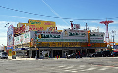 Original Nathan's Restaurant - Coney Island, Brooklyn (SomePhotosTakenByMe) Tags: nathans restaurant fastfood parachutejump amusementride fahrgeschäft sign schild urlaub vacation holiday usa america amerika unitedstates newyork nyc newyorkcity newyorkstate stadt city coneyisland brooklyn gebäude building outdoor