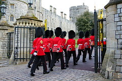 Marching into the Castle (Can Pac Swire) Tags: windsor castle berkshire sl4 england english great britain british uk unitedkingdom royal residence soldier queensguards queensguard 2016aimg2307