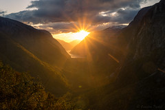 sunset eidfjord (cfaobam) Tags: norwegen2017 norwegen 2017 norway water wasser stein stone landscape landschaft nature national geographic cfaobam travel photography north outdoor berg felsen globetrotter