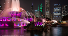 Buckingham Fountain (20180811-DSC07766-Edit) (Michael.Lee.Pics.NYC) Tags: chicago buckinghamfountain grantpark fountain night longexposure water reflection spary spout architecture cityscape sony a7rm2 fe24105mmf4g