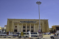 Luxor Railway Station (T Ξ Ξ J Ξ) Tags: egypt fujifilm xt2 teeje fujinon1655mmf28 luxor valley kings station railway