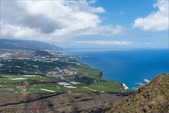 View from Mirador El Time (Hans van Bockel) Tags: 1680mm d7200 hansvanbockel holiday lapalma mar nikkor nikon oceaan vakantie vista tijarafe canarias spanje es mirador eltime uitzicht view tazacorte losllanos aridane clouds wolken