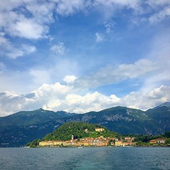 Bellagio (PeterCH51) Tags: como lake lakecomo lagodicomo lombardia lombardy italy italia square squareformat iphone peterch51 bellagio boattrip