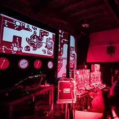 Knobs & Wires - ströme (genelabo) Tags: wired knobsandwires knobs wires synthesizer festival mucca import export münchen munich live ströme visuals genelabo video videomapping stage bühne visual instruments elektronisch electronic dirftmachine colossus road peter pichler madmapper lines platine linien people concert red rot