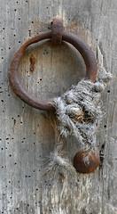 SANT SADRUNÍ DE L'HEURA - NUS (Joan Biarnés) Tags: santsadurnìdelheura baixempordà empordà girona catalunya 263 panasonicfz1000 nus nudo porta puerta