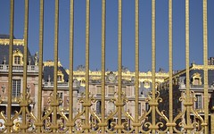 Barred! - Explore 10/8/2018 (MJ Harbey) Tags: architecture palaceofversailles france versailles nikon d3300 nikond3300 gate gold sky bluesky