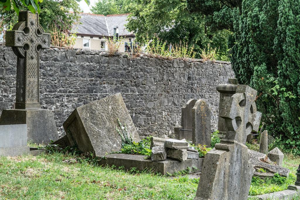 OLD CHURCHYARD KNOWN AS ST. JOHN'S [DUBLIN ROAD KILKENNY]-142918