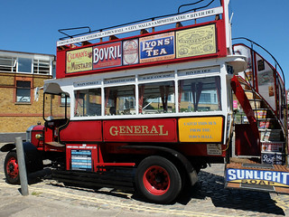 Vintage bus in Old Leigh