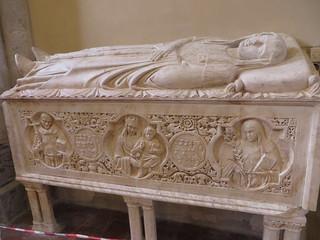 Sarcophage d'une dame noble, basilique gothique Santa Chiara (XIVe), via Benedetto Corce, Naples, Campanie, Italie.