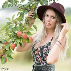 Arianne: Apple Tree (Peter Heuts) Tags: arianne wouwse plantage wouwseplantage netherlands peter photography model shoot sony a99ii a99 mark2 frame bokeh dress jurk kleid robe beautiful 135mm dof peterheuts carlzeiss fullframe sal135f18z dutch nederlands