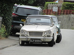 Herald or Vitesse? (Andrew 2.8i) Tags: car cars classic classics carspotting street spot spotting briitsh sports sportscar open cabriolet convertible 1360 herald triumph