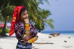 Darelis - Chica Guna (and04_espinosa) Tags: guna kuna yala san blas mola playa mar sol arena parmeras tradiciones autoctono panama