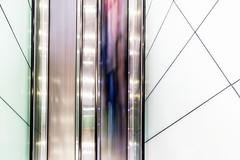 Roll on (tan.ja1212) Tags: kingscross bahnhof railwaystation rolltreppe escalator abstrakt langzeitbelichtung abstract london menschen