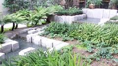 (sftrajan) Tags: garden landscapearchitecture plaza sanfrancisco marketstreet water fountains agua wasser 555marketstreet 575marketstreet gardens financialdistrict
