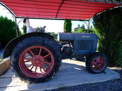 Tractor (cosbrandt) Tags: tractor mccormickdeering old farm machinery provence vaucluse