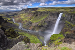 Háifoss (judith.kuhn) Tags: natur landschaft reise island wasserfall háifoss fluss fossaíþjórsádal himmel wolken felsen grün wiese gras suðurland wasser nature landscape travel iceland waterfall river sky clouds rocks green meadow grass water