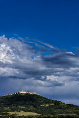 Motovun i oblačina (MountMan Photo) Tags: motovun istra croatia landscape cityscape oblaci zelenilo greenery