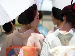 afternoon (byzanceblue) Tags: kyoto maiko geisha geiko kagai miyagawacho japan japanese woman girl female beauty cute beautiful 宮川町 京都 kimono gion dance lovely 舞妓 舞踊 traditional kanzashi formal 祇園 black 花街 white color colour flower nikkor background people photo portrait professional lady lovery 芸妓 着物 bokeh red traditonal summer hassaku 八朔 komaya 駒屋
