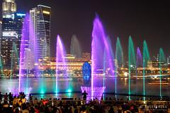 20180720-083-Marina Bay Sands light show (Roger T Wong) Tags: 2018 asia marinabaysands rogertwong sel2470z singapore sony2470 sonya7iii sonyalpha7iii sonyfe2470mmf4zaosscarlzeissvariotessart sonyilce7m3 fountain laser lights night projection show travel