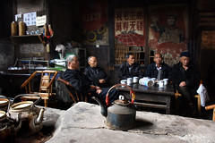 Old Teahouse 老茶館 (MelindaChan ^..^) Tags: sichuan china 四川 life people old heritage history teahouse tea relax leisure chanmelmel mel melinda melindachan 老茶館 老 茶館 man teapot pot chengdu 成都