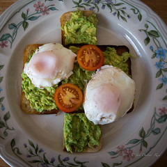 Mashed avocado and poached eggs (idunbarreid) Tags: breakfast eggs avocado tomato toast