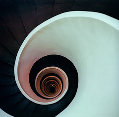 Guggenheim Bilbao ([J Z A] Photography) Tags: analog bilbao frankgehry guggenheim kodak mf mamiya6 mediumformat portra400 spain tetenalc41 filmisnotdead grainisgood ishootfilm